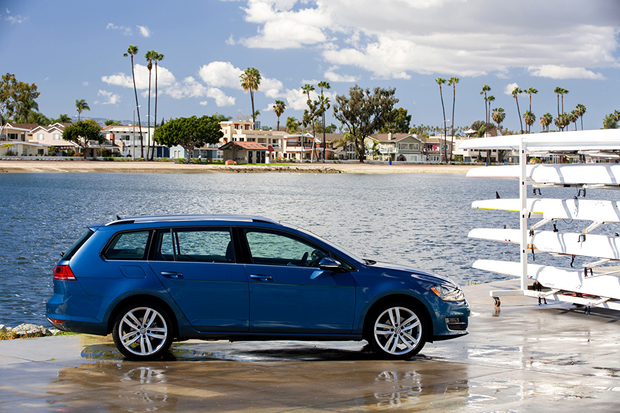 Картинка Тюнинг Фольксваген 2015 Golf SportWagen голубая авто Сбоку Volkswagen Стайлинг Голубой голубые голубых машина машины Автомобили автомобиль