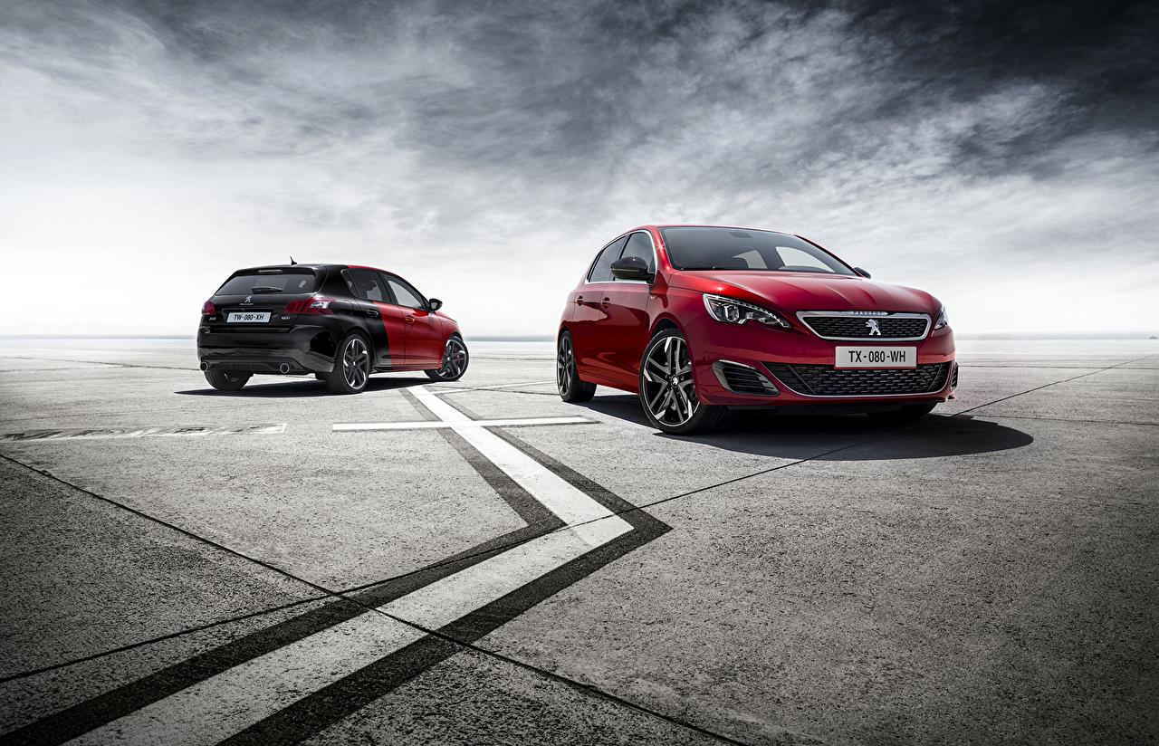 Картинки Пежо 2015 308 GTi два бордовая машины Peugeot 2 две Двое вдвоем Бордовый бордовые темно красный авто машина Автомобили автомобиль