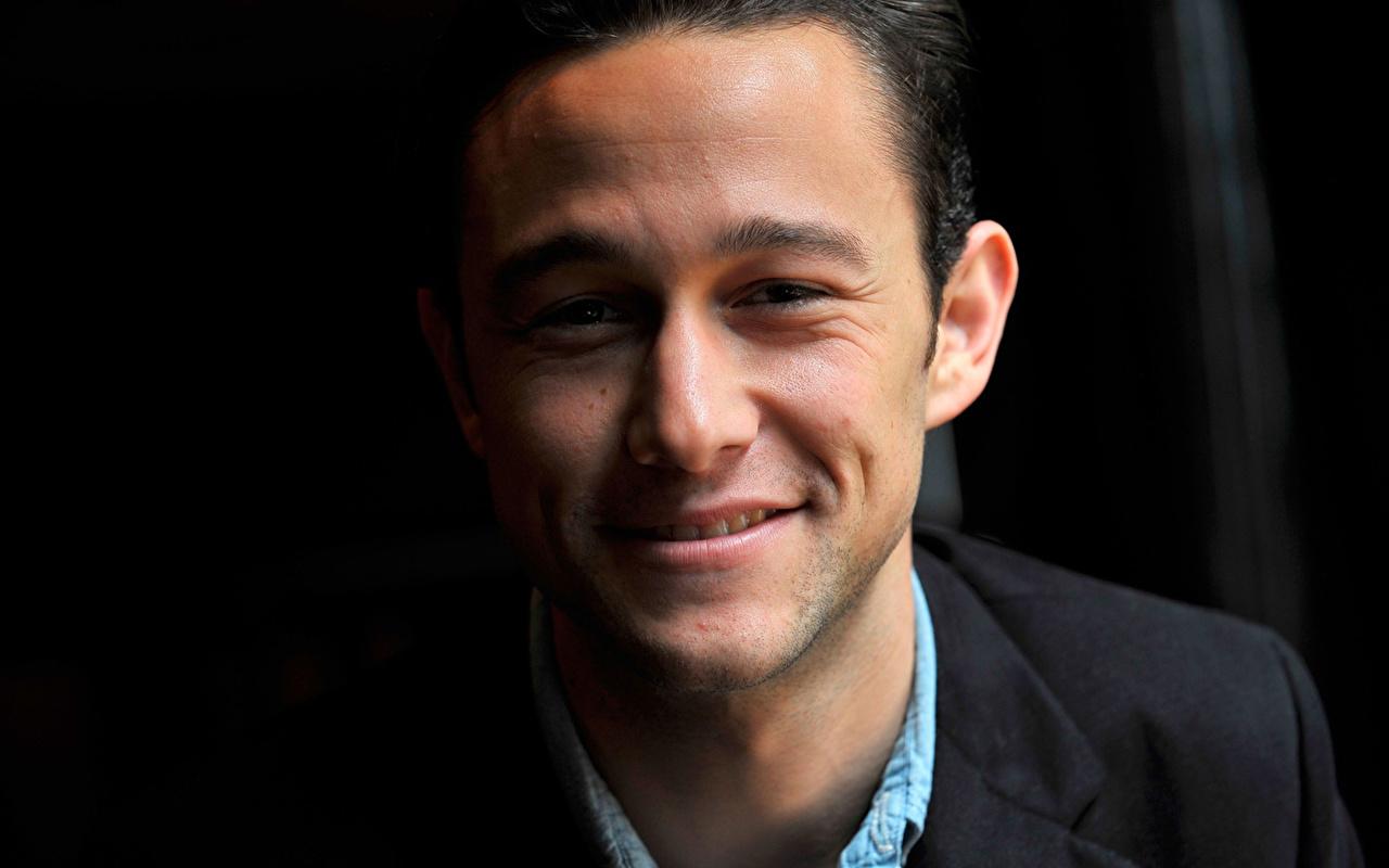 Картинка Знаменитости Joseph Gordon-Levitt мужчина Улыбка CineVegas 2009 лица красивая Джозеф Гордон-Левитт Мужчины улыбается Лицо красивый Красивые