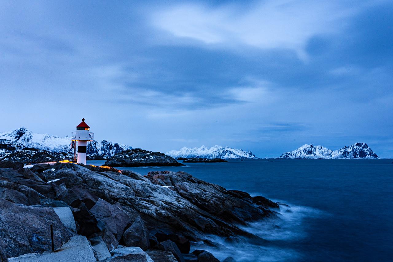 Фотографии Лофотенские острова Норвегия Kabelvag Горы маяк Природа берег гора Маяки Побережье