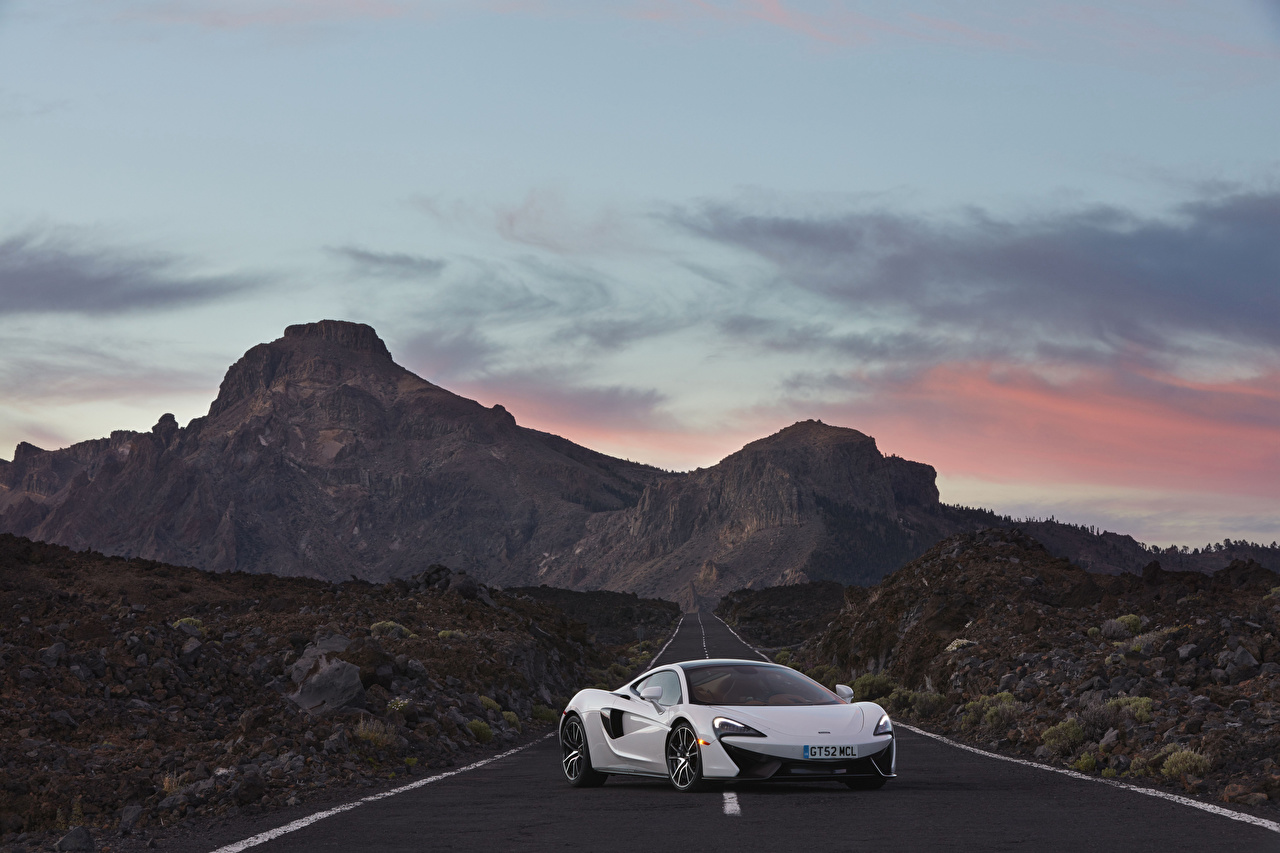 Картинки McLaren 2017 570GT белых машины Металлик Макларен Белый белые белая авто машина автомобиль Автомобили
