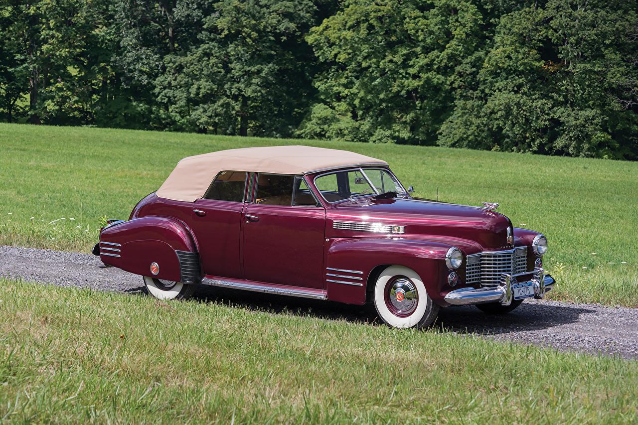 Фото Cadillac 1941 Sixty-Two Convertible Sedan Deluxe бордовая старинные Металлик Автомобили Кадиллак Ретро винтаж бордовые Бордовый темно красный авто машина машины автомобиль