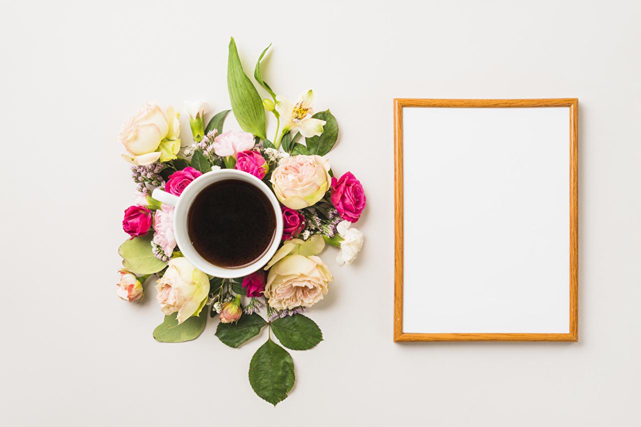 Фото Розы Кофе Цветы Гвоздики Альстрёмерия Чашка Шаблон поздравительной открытки Серый фон чашке