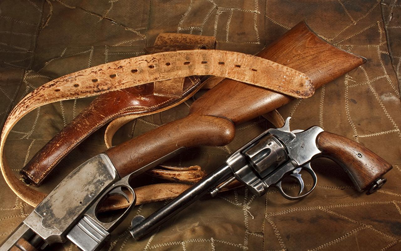 Фотографии винтовка Пистолеты Револьвер вблизи военные Винтовки пистолет пистолетом револьвера Крупным планом Армия