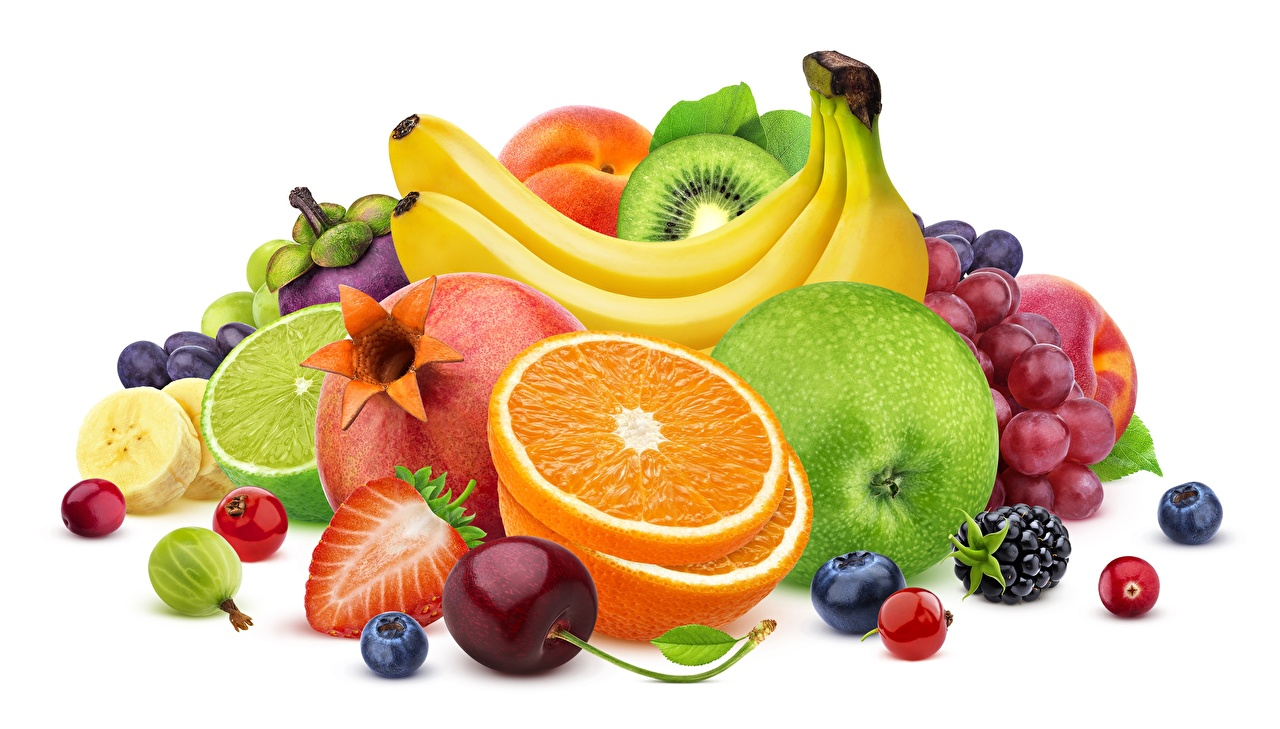 Фотография Апельсин Яблоки Бананы Пища Ягоды Фрукты белым фоном Еда Продукты питания Белый фон белом фоне