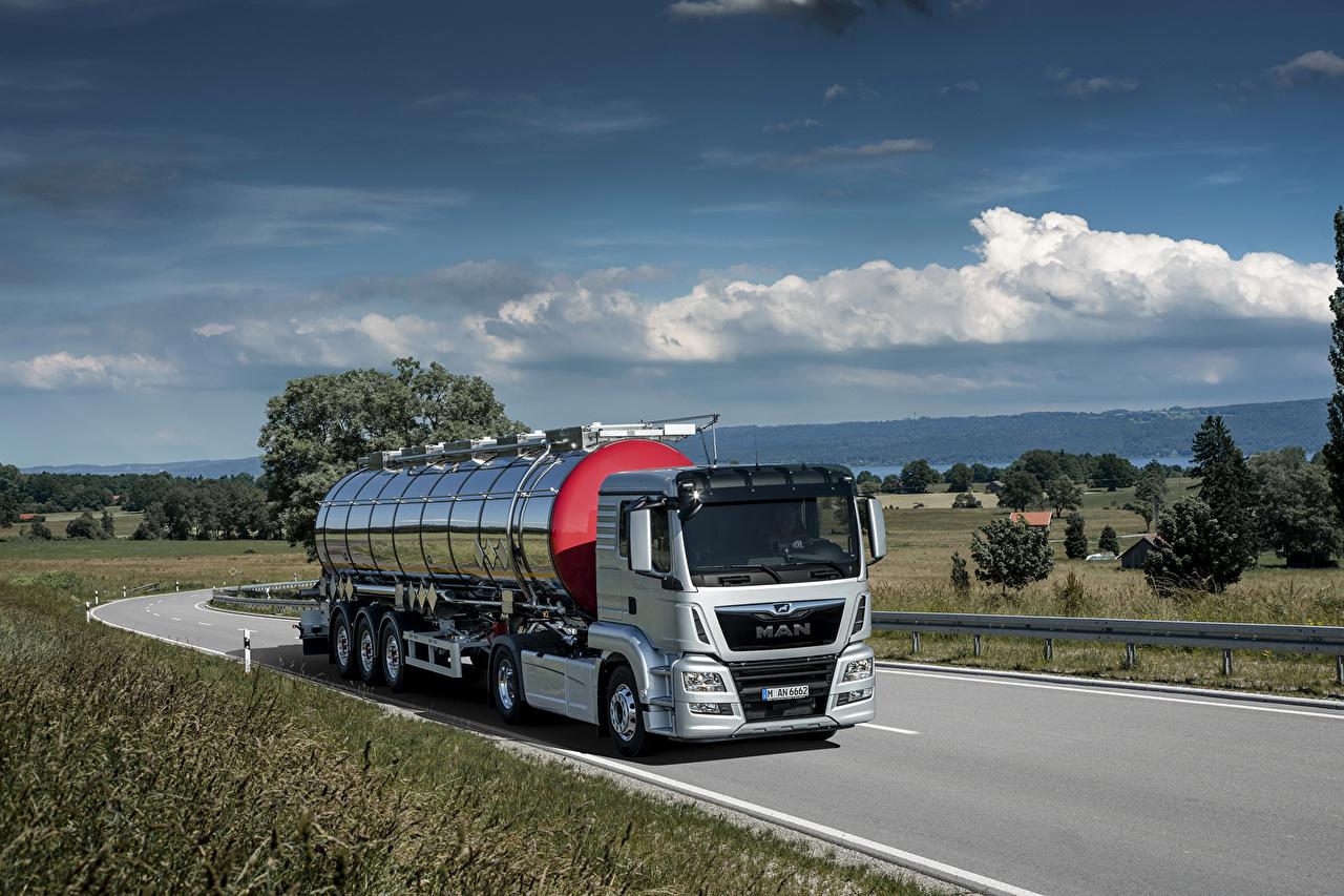 Trucks_Sky_MAN_SE_494206.jpg