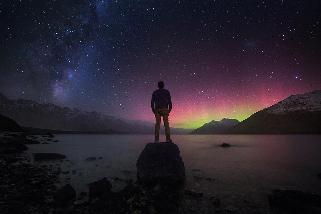 Обои для рабочего стола Звезды Млечный Путь Новая Зеландия гора Космос Природа в ночи Горы Ночь ночью Ночные