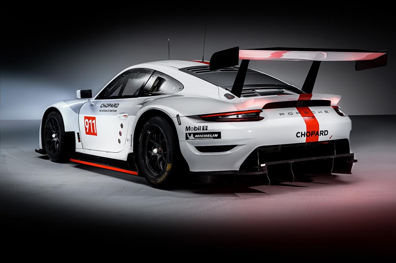 Фотография Porsche Тюнинг 911 RSR 2019 белая авто Сзади Порше Стайлинг Белый белые белых машины машина вид сзади Автомобили автомобиль