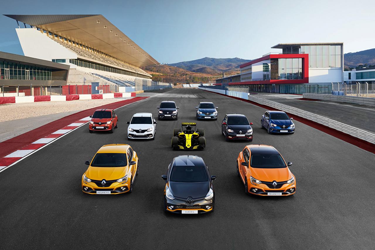 Фотография Renault авто Спереди Много Рено машина машины автомобиль Автомобили