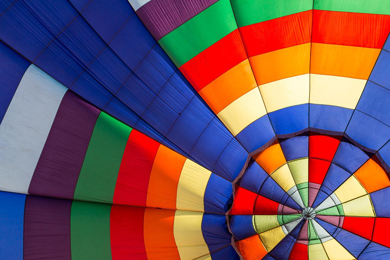 Обои аэростат Разноцветные вблизи Воздушный шар Крупным планом