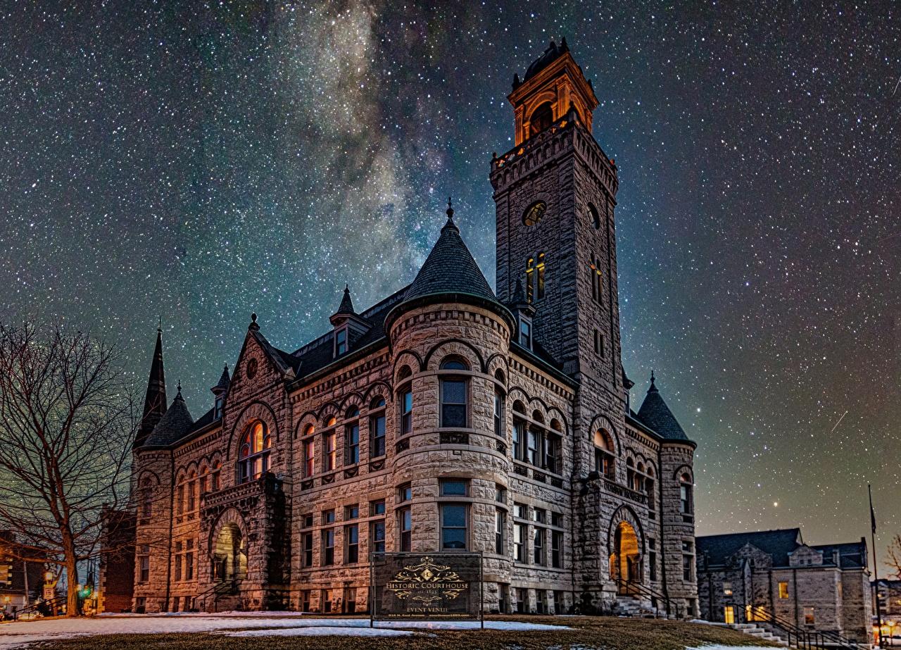Обои для рабочего стола Звезды Wisconsin, Historic Courthouse, Waukesha Небо Ночь Дома город ночью в ночи Ночные Здания Города