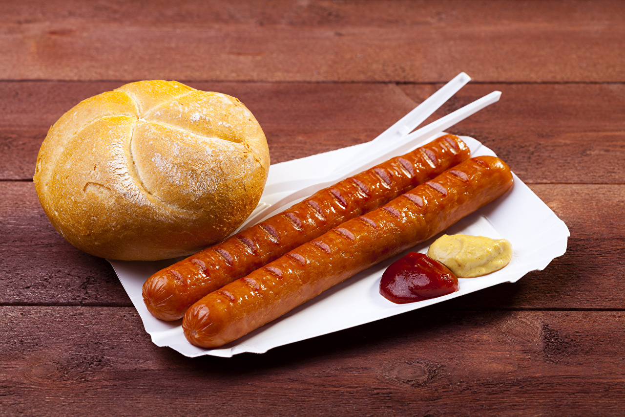 Картинка кетчупа Булочки Сосиска Еда Доски Кетчуп кетчупом Пища Продукты питания