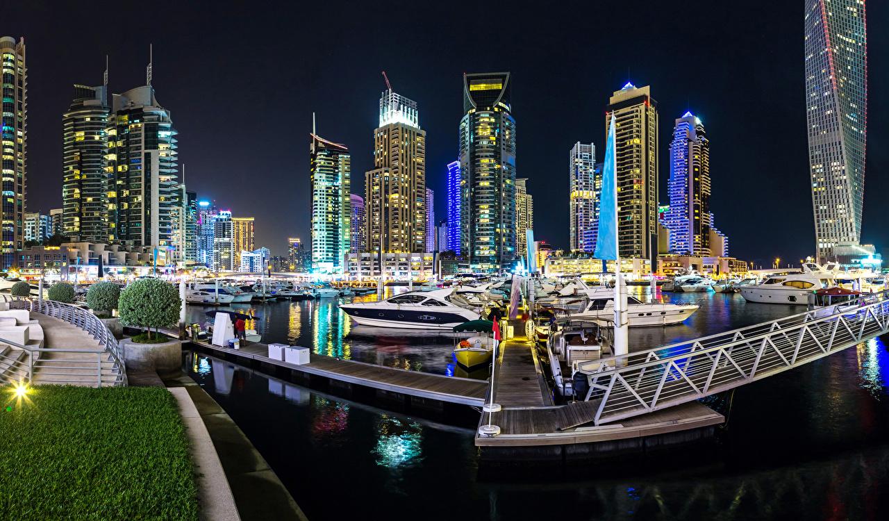 Картинки Дубай Объединённые Арабские Эмираты Ночь Залив Пристань Дома Города ОАЭ Пирсы Ночные Причалы Здания