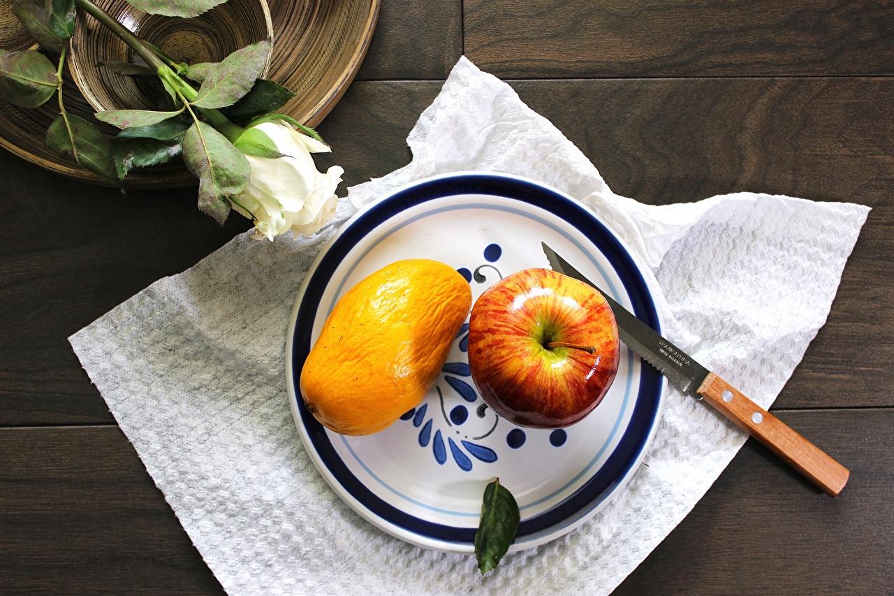 Фотография Нож Розы Манго Яблоки Еда тарелке ножик Пища Тарелка Продукты питания