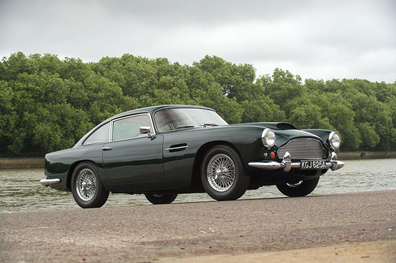 Фотографии Астон мартин 1960-61 DB4 Worldwide (Series II) Touring черная винтаж Металлик Автомобили Aston Martin Ретро черных черные Черный старинные авто машина машины автомобиль