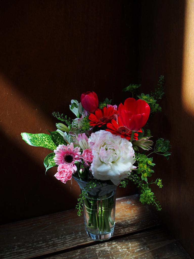 Фото Букеты Розы Герберы Тюльпаны Цветы вазе вазы Ваза