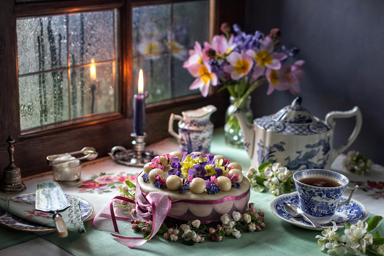 Фотография Букеты Чай Торты Окно Чашка Свечи Продукты питания Натюрморт букет Еда Пища окна чашке
