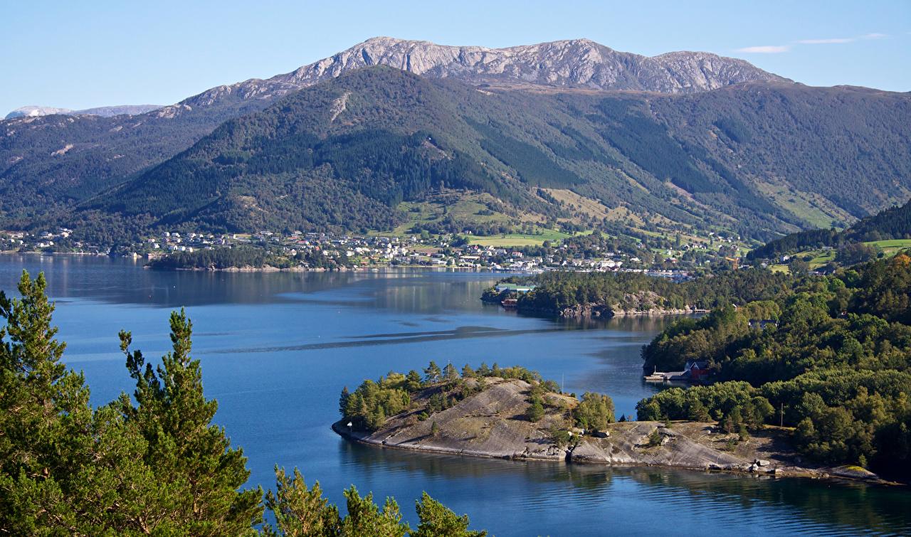 Фотографии Норвегия село Uskedal Горы Природа Залив Дома Деревня поселок гора залива заливы Здания