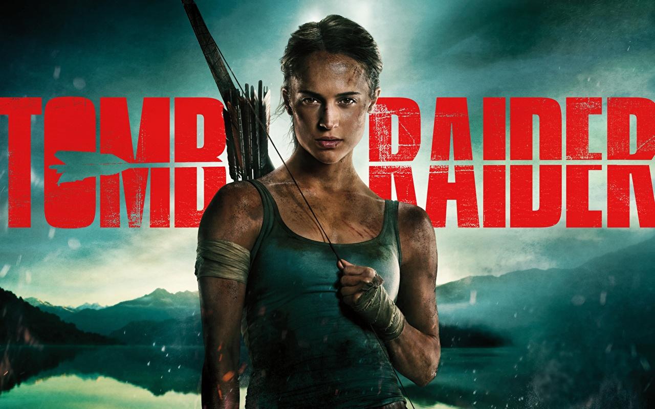 Картинка Tomb Raider: Лара Крофт 2018 Алисия Викандер молодая женщина майки Фильмы Знаменитости девушка Девушки молодые женщины кино Майка майке