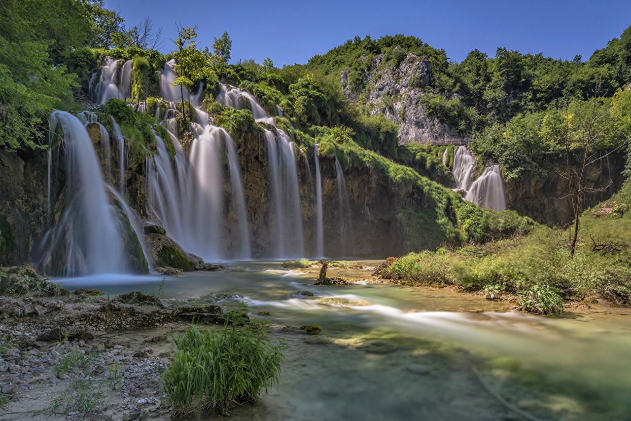 Фото Хорватия Plitvička Jezera Скала Природа Водопады Парки Утес скале скалы парк
