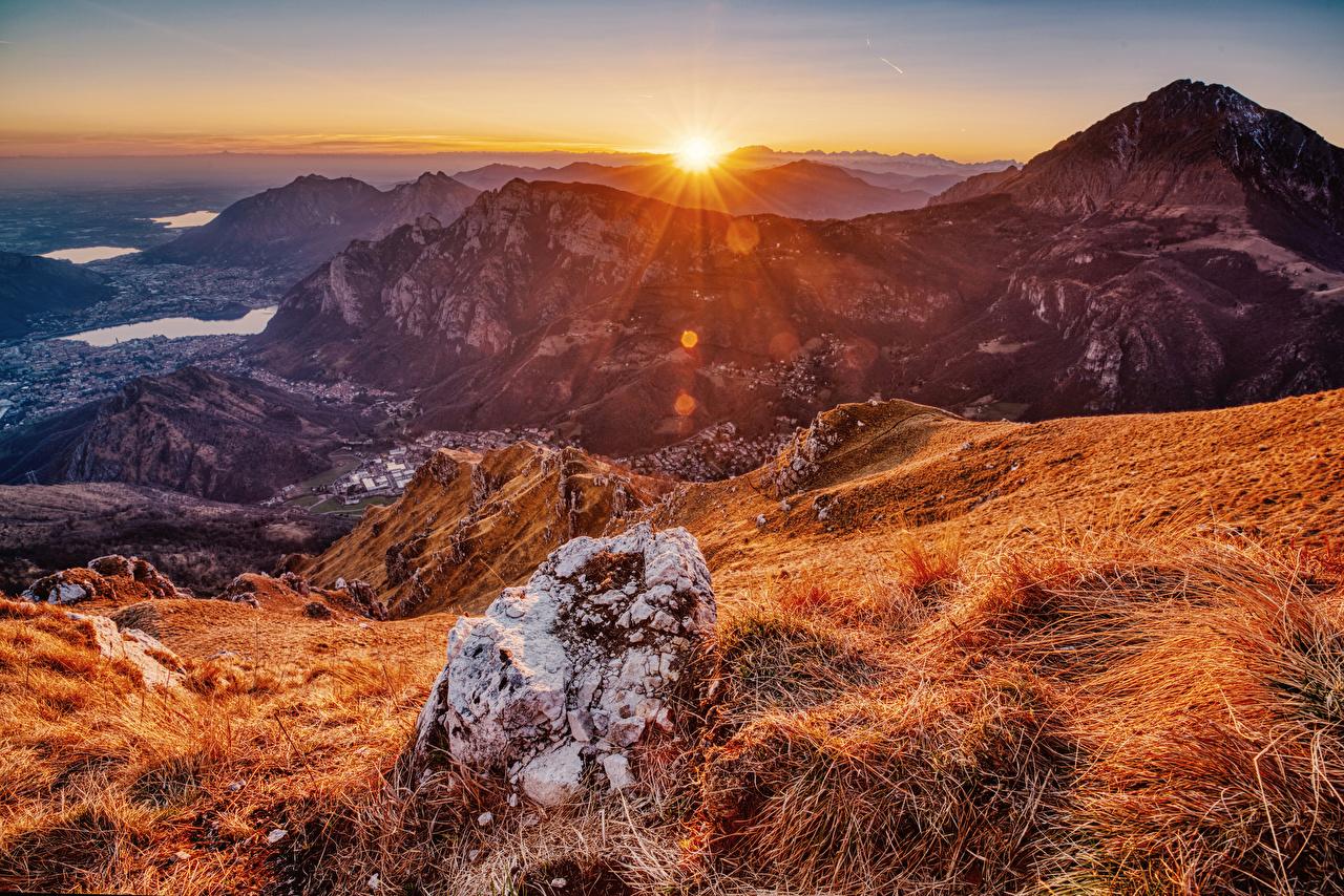 Фотографии Франция Pyrenees Горы Осень Солнце Природа рассвет и закат Камни гора солнца осенние Рассветы и закаты Камень