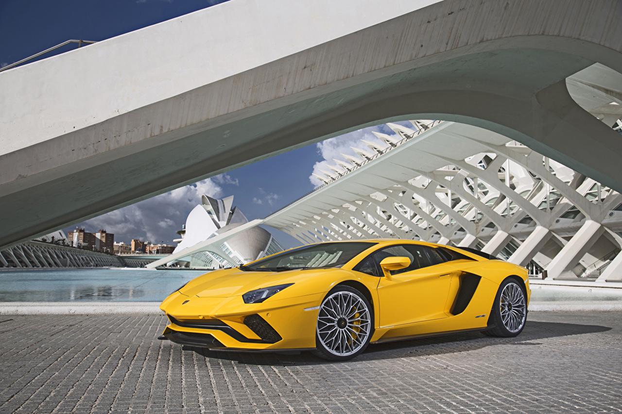 Картинка Ламборгини 2017-19 Aventador S Worldwide желтая Металлик Автомобили Lamborghini желтых желтые Желтый авто машина машины автомобиль
