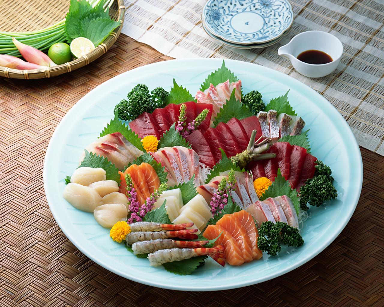 Обои Рыба Овощи Тарелка Продукты питания Морепродукты Еда Пища