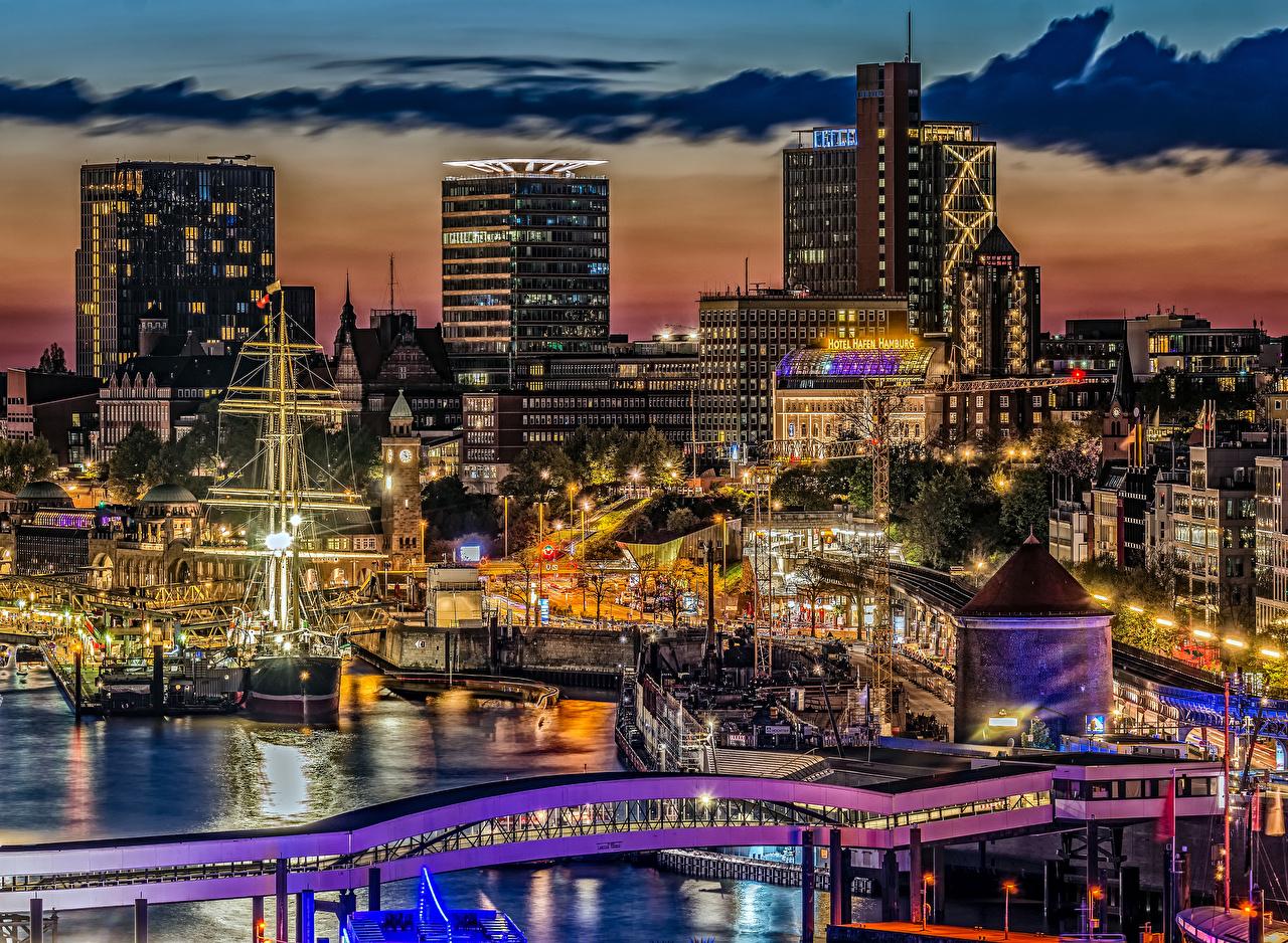 Фото Гамбург Германия Мосты Корабли Вечер Причалы Дома Города Облака Пирсы Пристань Здания