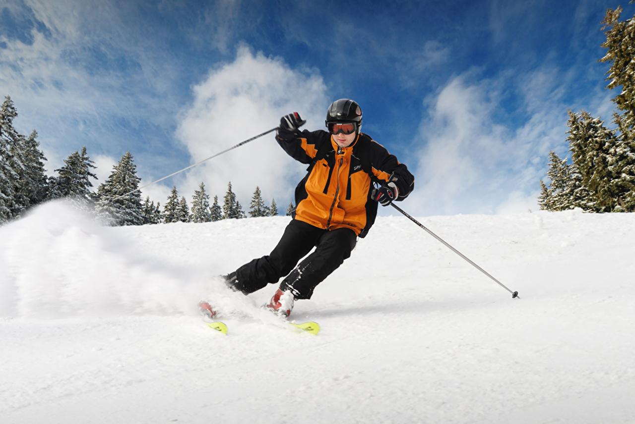 Фотографии мужчина Зима Спорт снега очков униформе Лыжный спорт Мужчины зимние спортивные спортивная спортивный Снег снегу снеге Очки очках Униформа