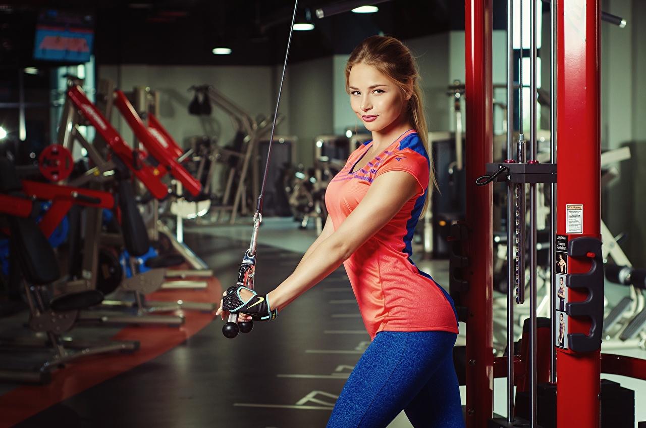 Фотографии Шатенка Nikolas Verano Красивые Фитнес Спорт Девушки
