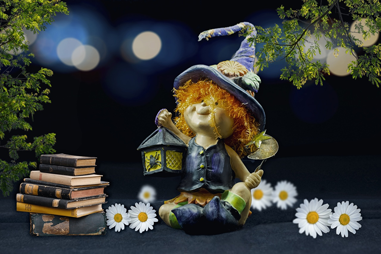 Картинка Шляпа Ромашки Книга Сидит Лампа игрушка шляпы шляпе ромашка сидя ламп книги лампы сидящие Игрушки