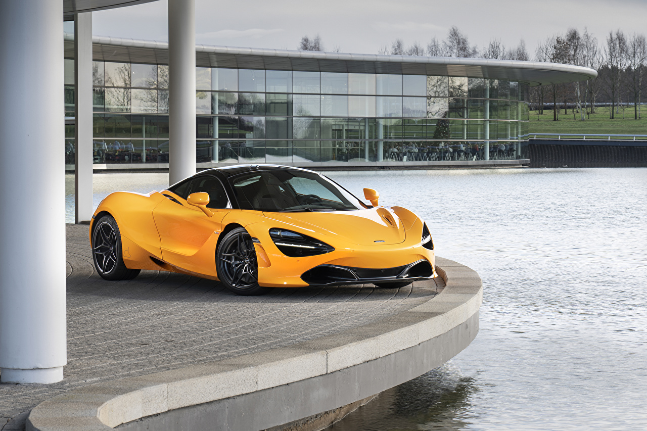 Фото Макларен 2019 MSO 720S желтая авто Металлик McLaren желтых желтые Желтый машина машины автомобиль Автомобили