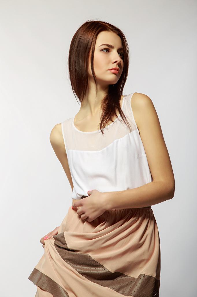 Обои для рабочего стола Viacheslav Krivonos шатенки Модель Alona молодая женщина  для мобильного телефона Шатенка фотомодель девушка Девушки молодые женщины