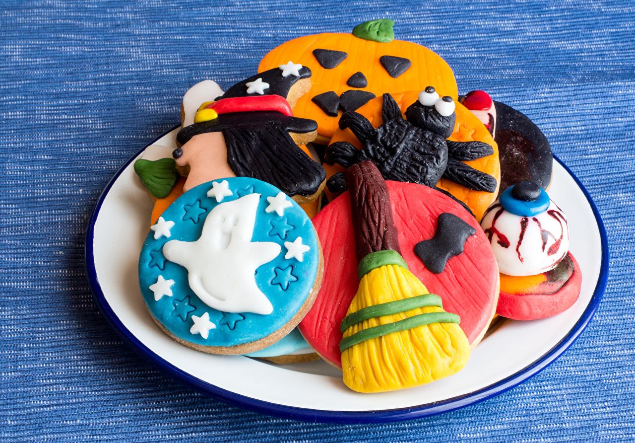 Фотография Хеллоуин Еда Тарелка Печенье Выпечка Праздники Дизайн Пища тарелке Продукты питания дизайна