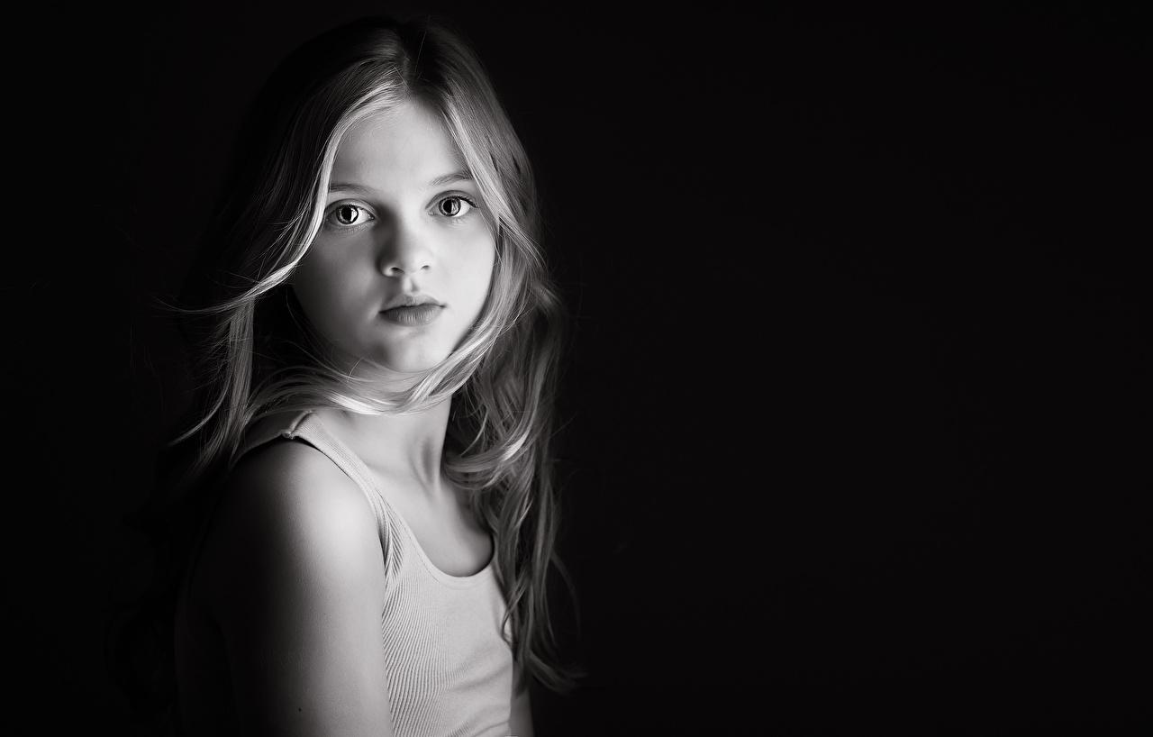 Фотография Девочки Meg Bitton Дети майке Взгляд девочка ребёнок Майка майки смотрят смотрит