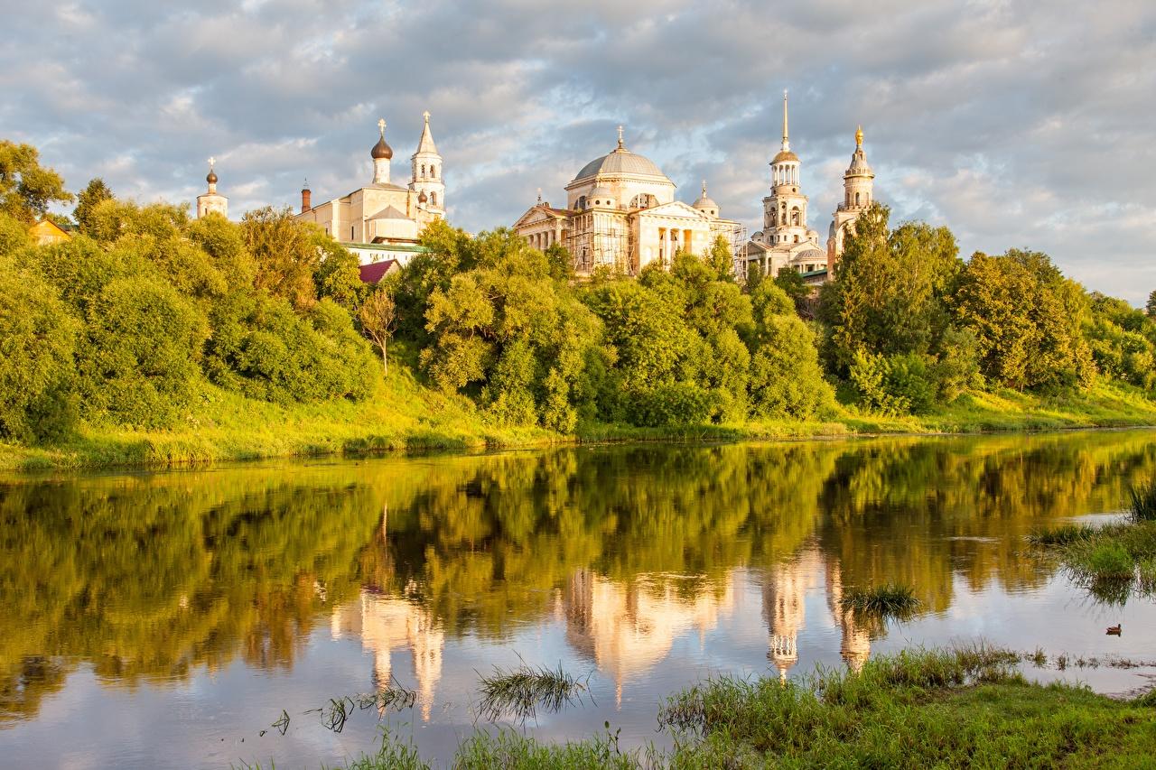 Обои Церковь Россия Torzhok, Tver region, Tvertsa river речка Города Реки