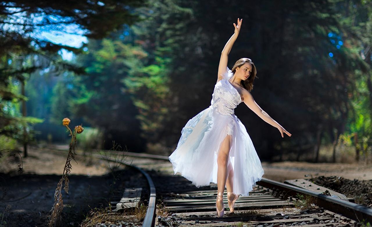 Фотографии Балет Девушки Железные дороги Платье балета балете девушка молодая женщина молодые женщины платья