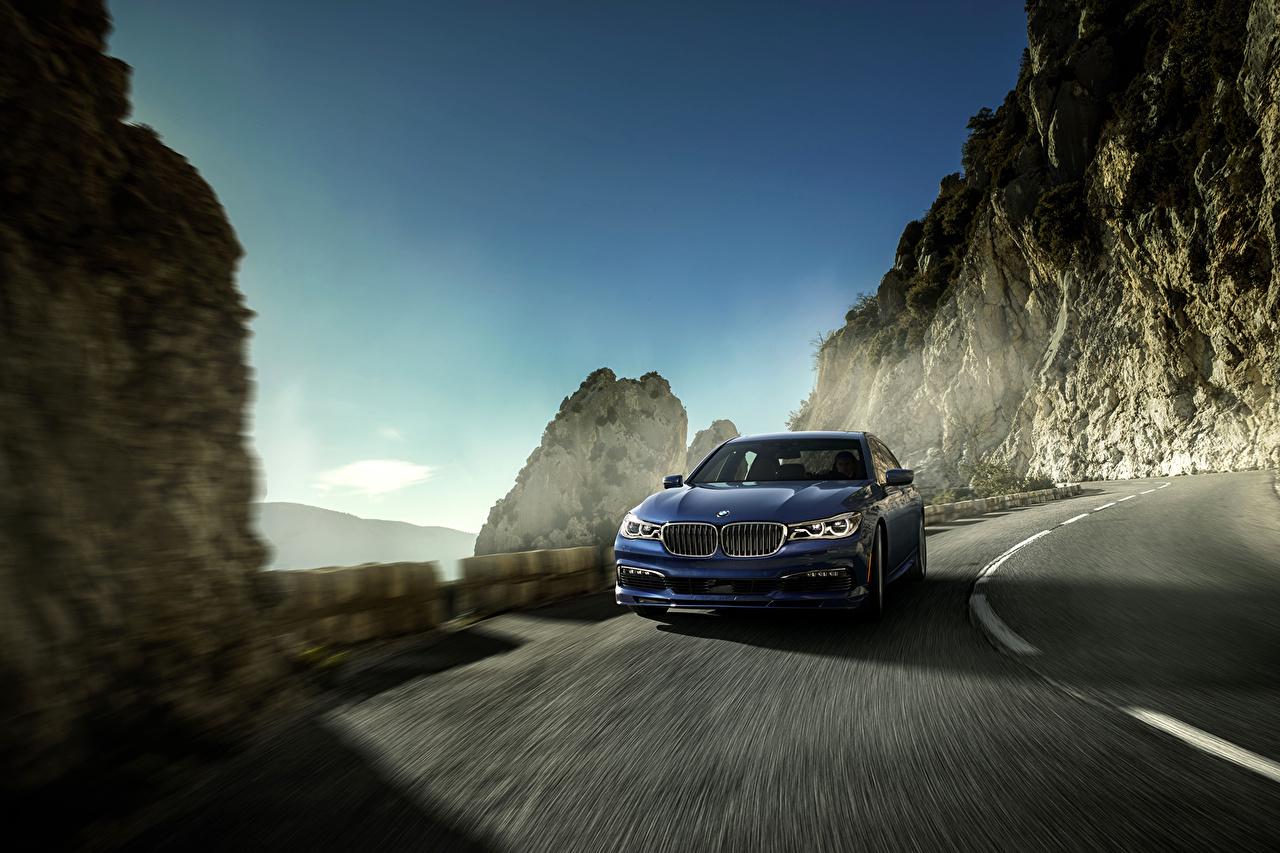 Картинки БМВ 2016 Alpina B7 xDrive синяя Дороги скорость автомобиль BMW Синий синие синих едет едущий едущая Движение авто машины машина Автомобили