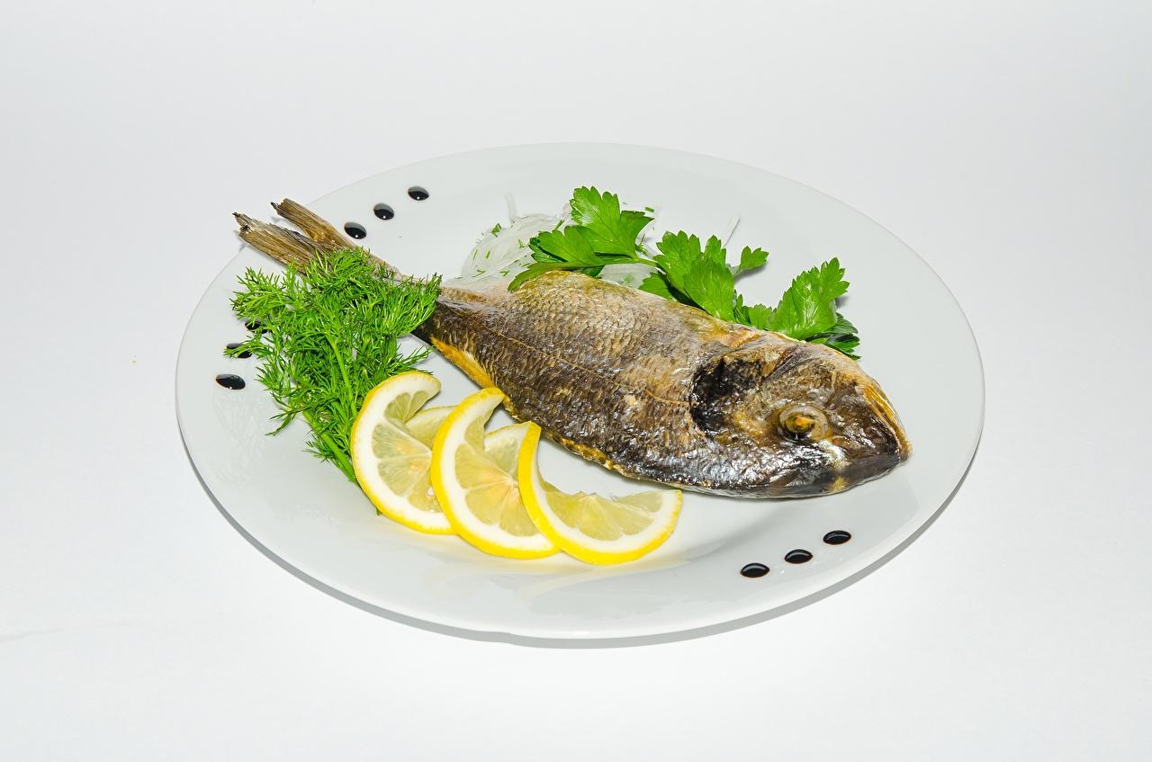 Картинки Рыба Лимоны Тарелка Продукты питания Еда Пища тарелке