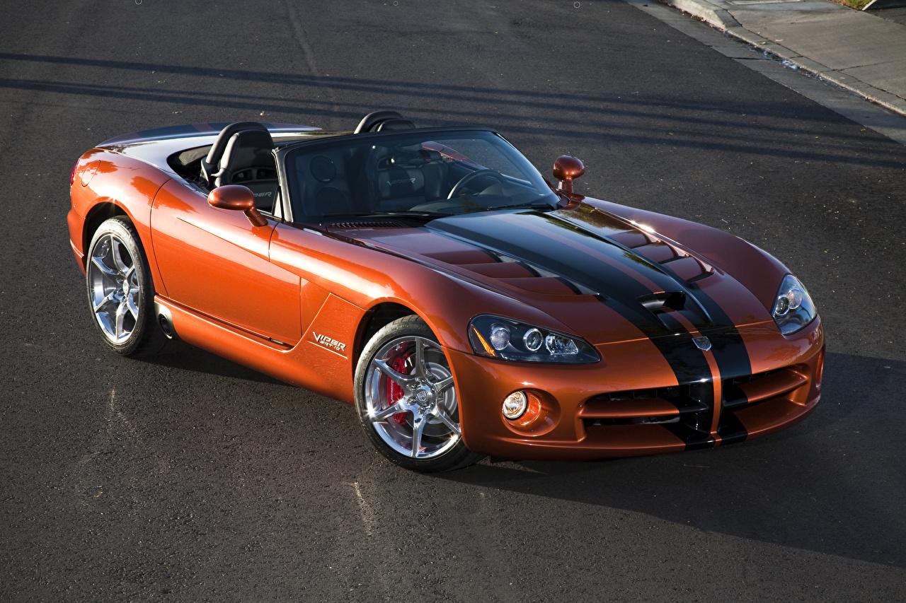Фотографии Dodge 2010 Viper SRT10 roadster Родстер Кабриолет оранжевых авто Металлик полосатая Додж кабриолета Оранжевый оранжевые оранжевая машины машина Полоски полосатый автомобиль Автомобили