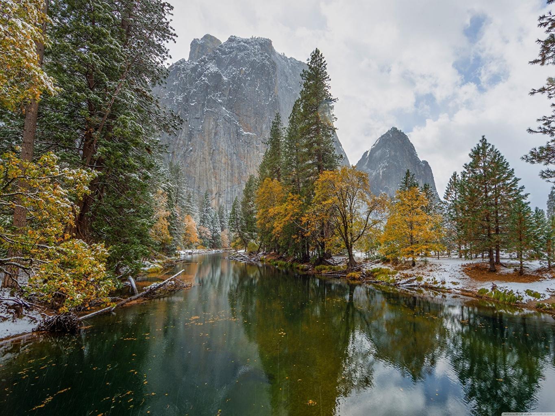 Фото Йосемити Калифорния штаты Горы Осень Природа Парки снега Реки деревьев калифорнии США америка гора осенние парк Снег снегу снеге река речка дерево дерева Деревья
