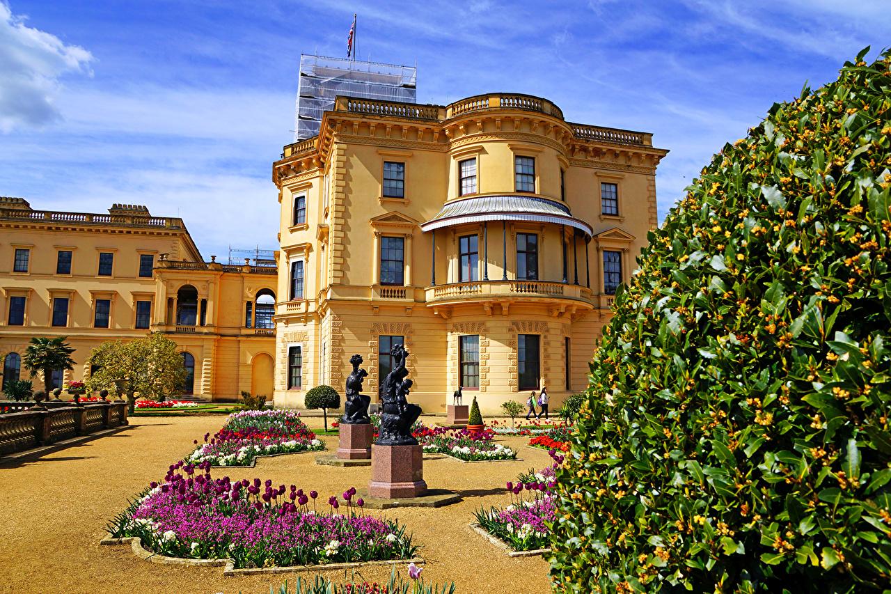 Фото Дворец Великобритания Osborne House Queen Victoria's residence тюльпан Города Скульптуры дворца Тюльпаны город скульптура