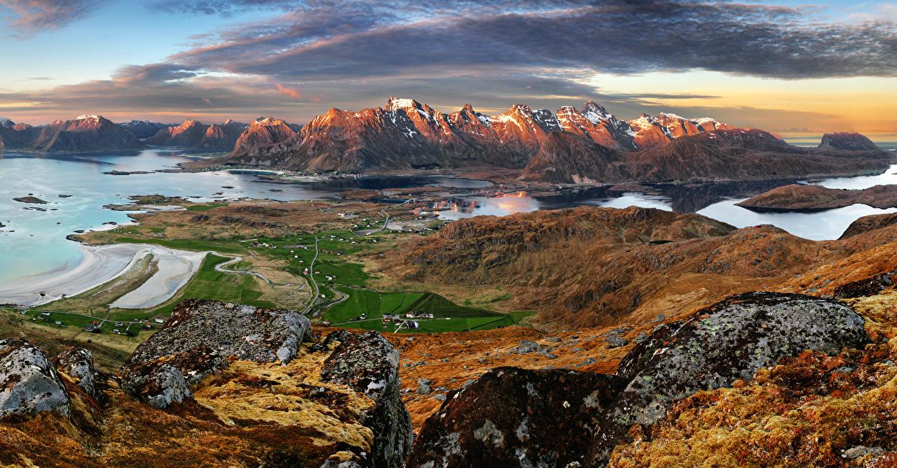Картинка Лофотенские острова Норвегия Горы Природа Пейзаж Залив Здания Дома