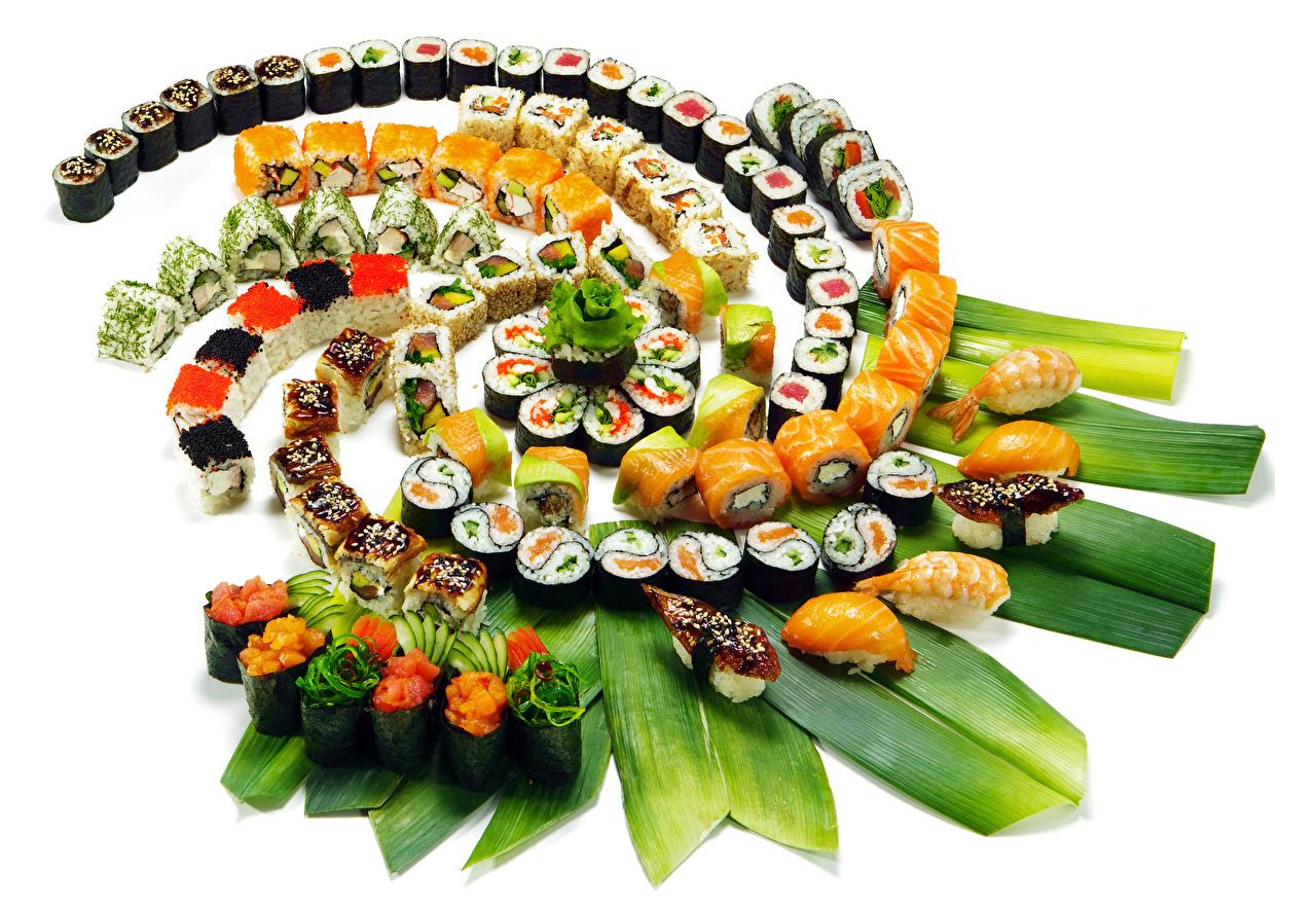Картинка Суши Пища Белый фон Морепродукты суси Еда Продукты питания белом фоне белым фоном