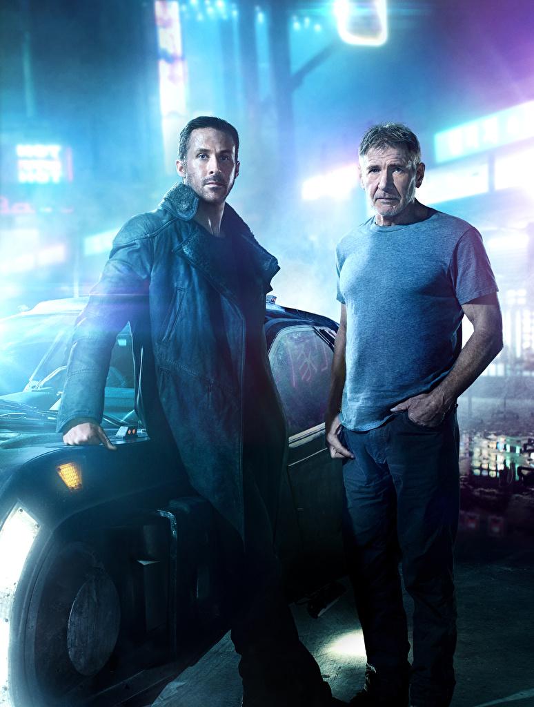 Картинки Бегущий по лезвию 2049 Харрисон Форд Мужчины Ryan Gosling 2 кино Знаменитости две два Двое вдвоем Фильмы