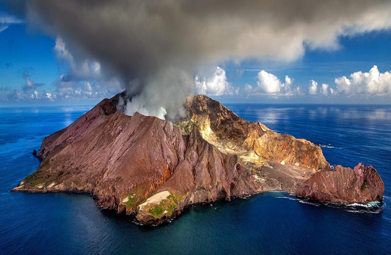 Фотографии Новая Зеландия Вулкан White Island Природа Остров дымит вулканы вулкана Дым