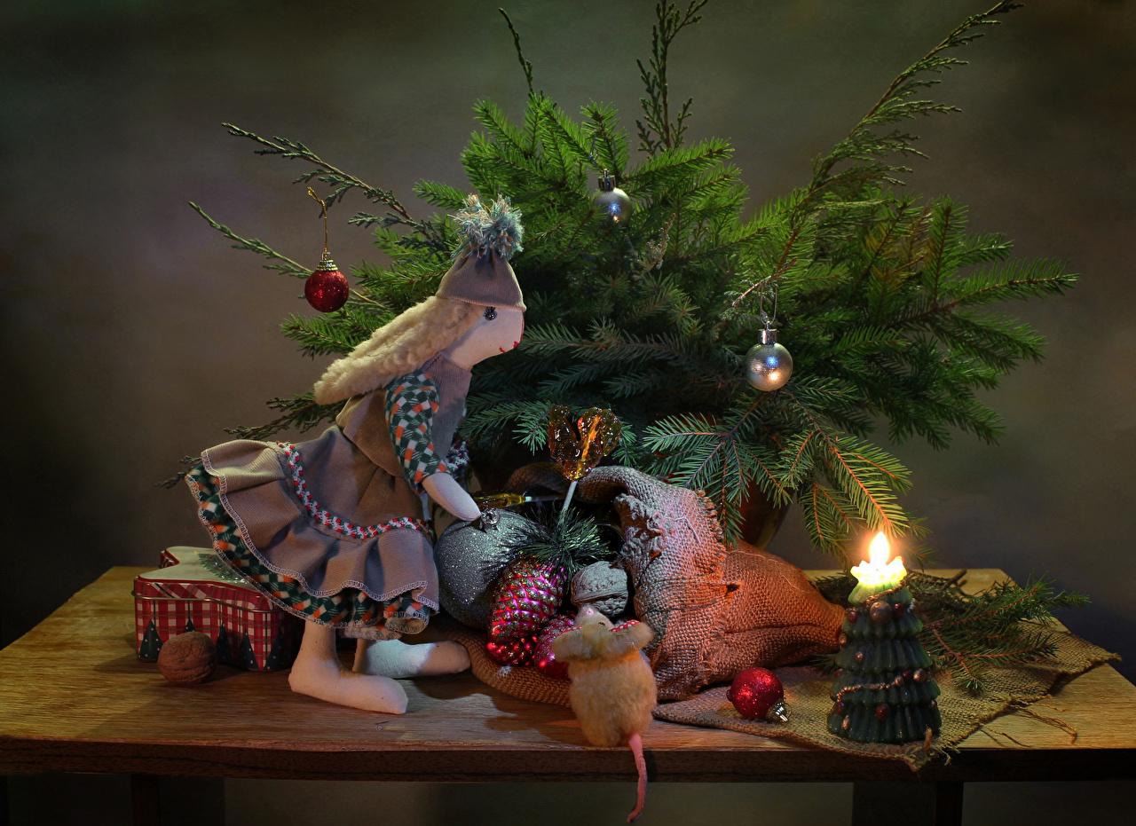 Обои для рабочего стола Рождество куклы Шар Ветки Свечи Натюрморт Новый год Кукла ветвь ветка Шарики на ветке