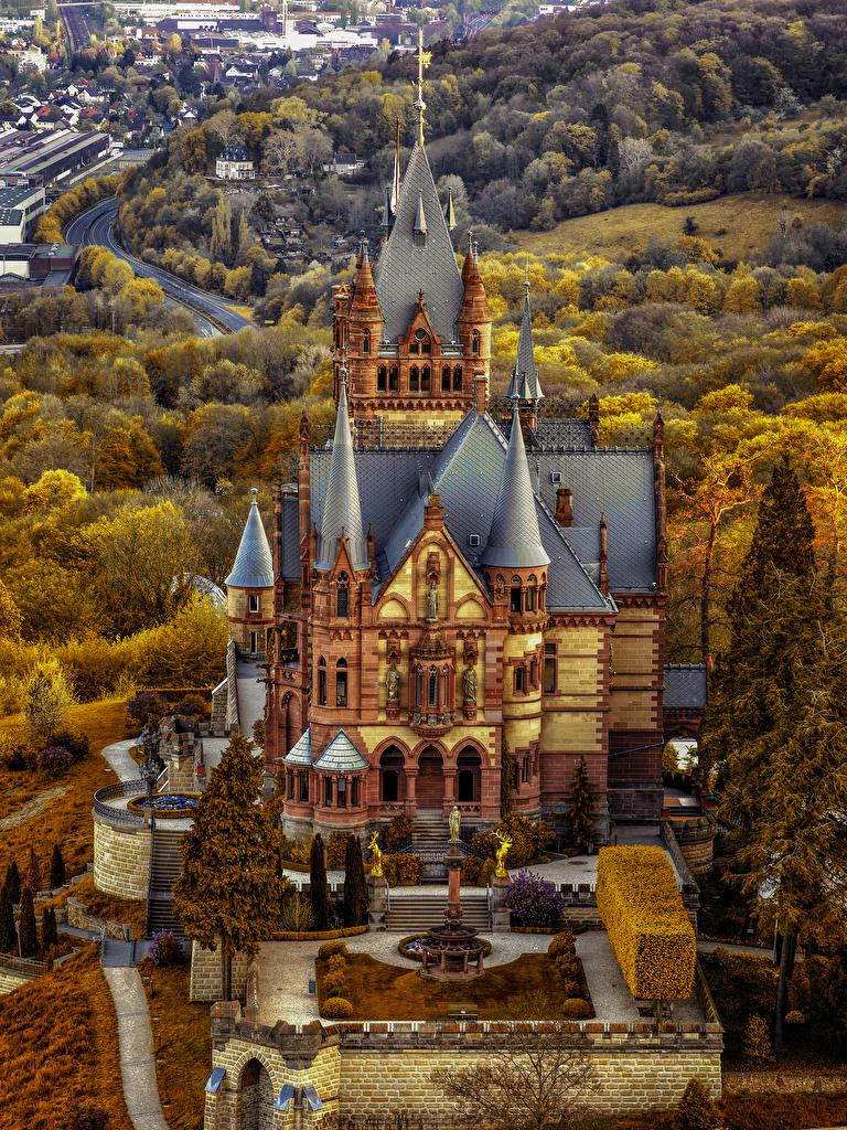 Фото Германия Drachenburg Castle замок осенние город Ландшафтный дизайн  для мобильного телефона Осень Замки Города