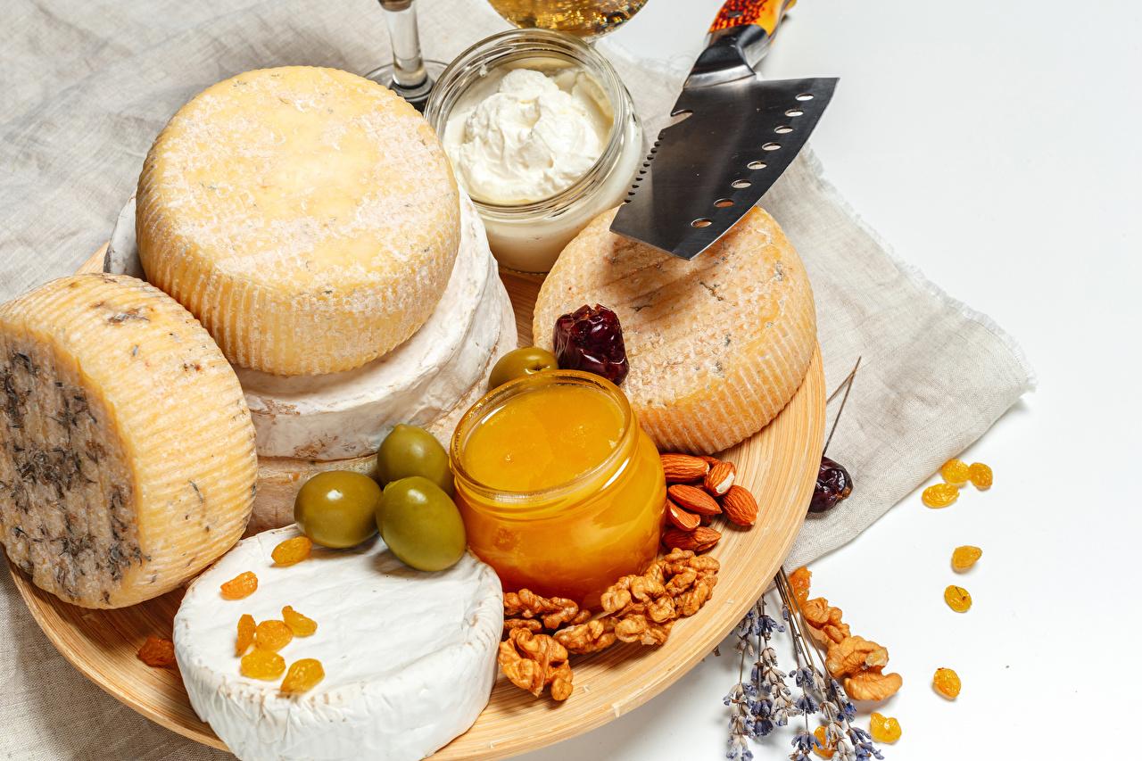 Картинки Мед Оливки Сыры Еда Разделочная доска Орехи Пища Продукты питания