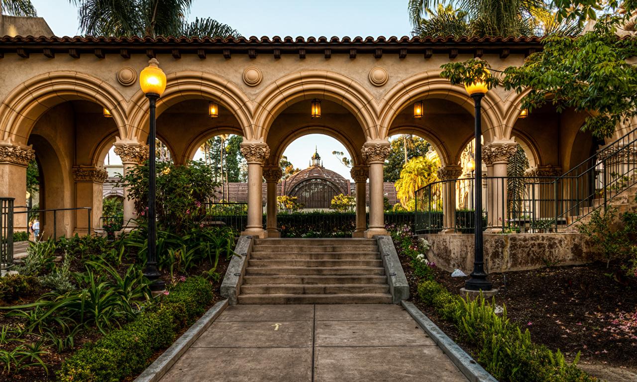 Картинки Сан-Диего Калифорния штаты арки Balboa Park Природа Лестница парк Уличные фонари калифорнии США америка Арка лестницы Парки